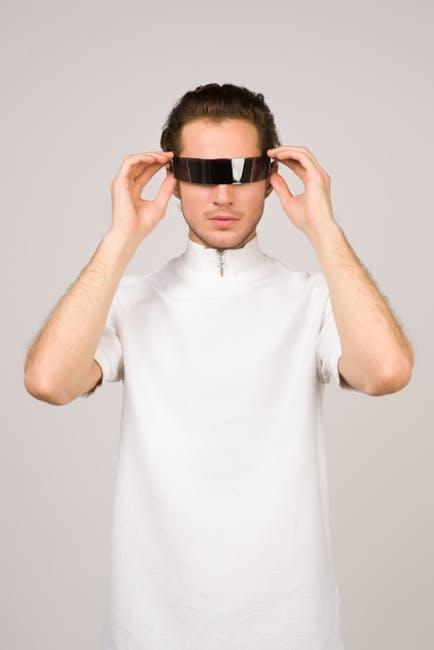 Manche Wrap-around-Sonnenbrillen sehen ausgesprochen futuristisch aus.