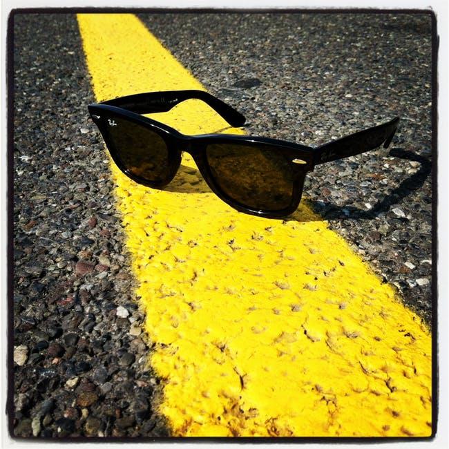 Wayfarer-Sonnenbrillen haben einen unverwechselbare Formsprache.